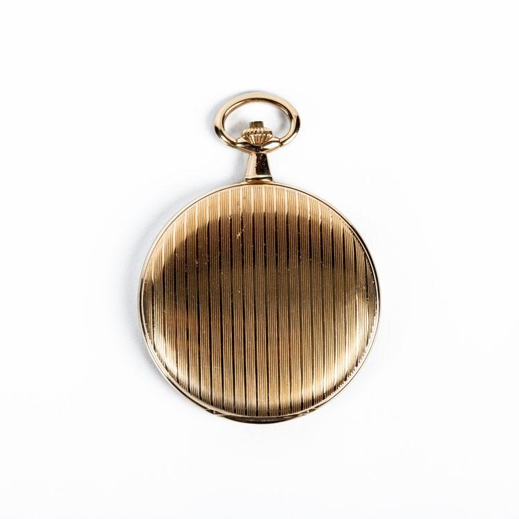 202876cdcdec Reloj de bolsillo saboneta LOTUS (9016 A) en caja de acero dorado de 47 mm.  Tapa y trasera con decoración grabada a listones. Movimiento de cuarzo.